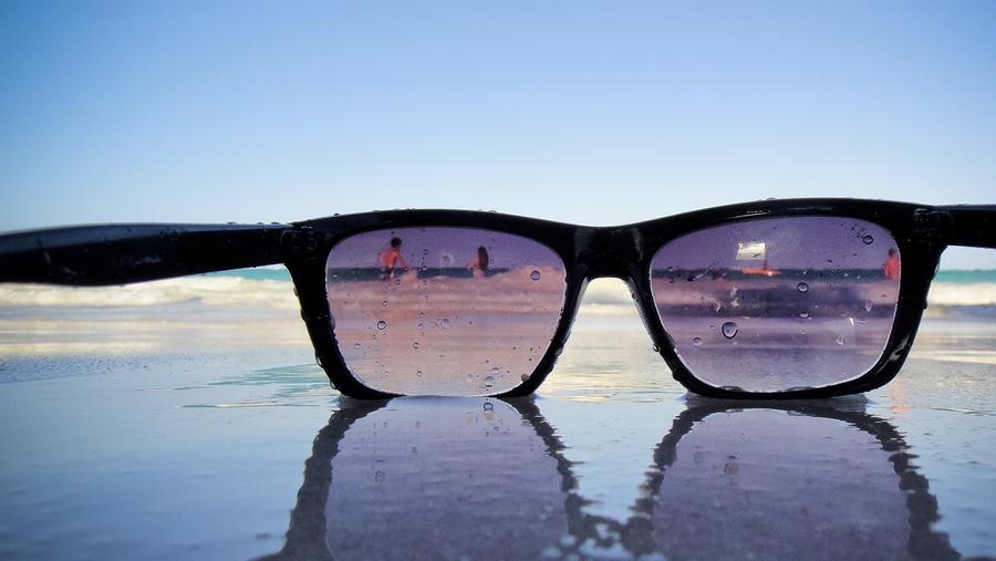 Consejos para prevenir lesiones oculares en las vacaciones